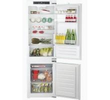 Встраиваемый холодильник Hotpoint-Ariston BCB 7030 EC AAO3